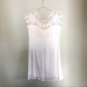 Flowy White Crepe Dress with Crochet Shoulder NWT
